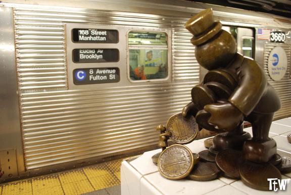 Metropolitana di New York - Life Underground, Tom Otterness