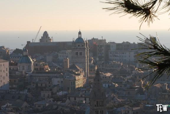 Genova vista dall'alto: Spianata Castelletto (con una granita)