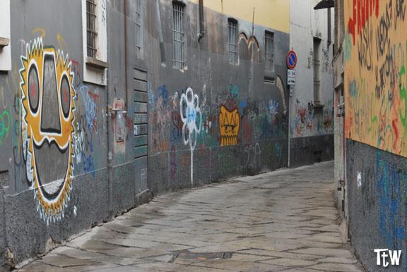 Via Bagnera: la via più stretta di Milano