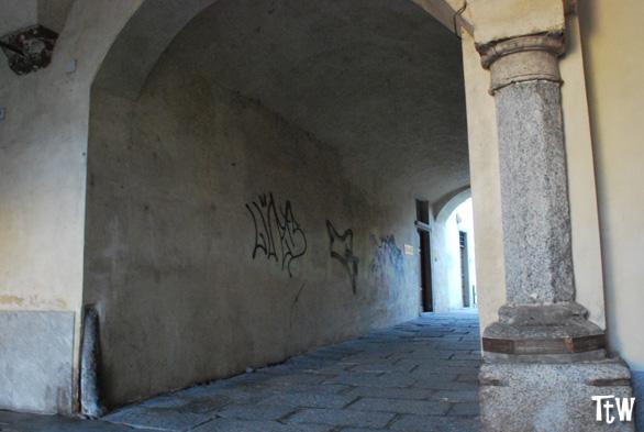 colonna-barometro-novara-vico-canonica