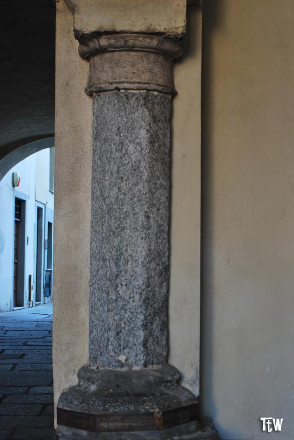 vico-canonica-novara-colonna-barometro