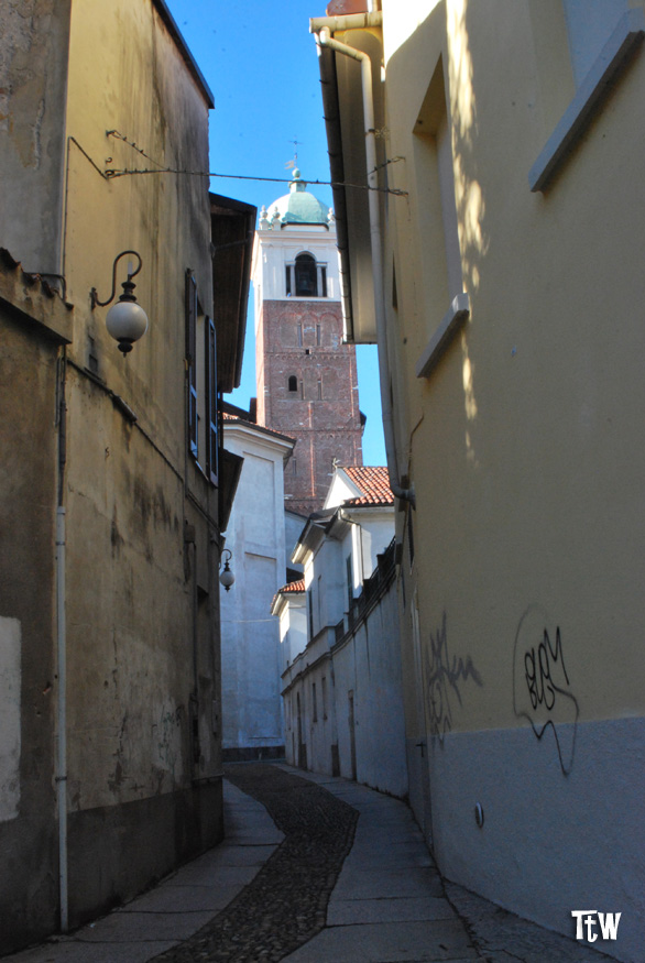 Vico Canonica a Novara