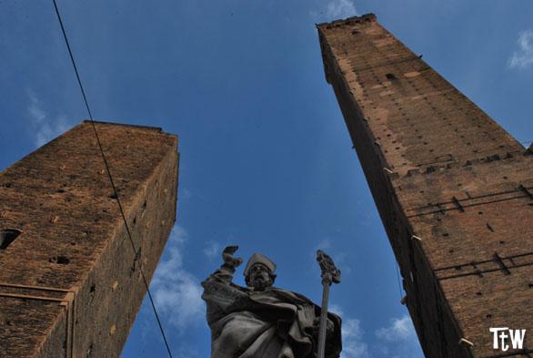 Curiosità su Bologna. Tra diavoli, frecce e scritte
