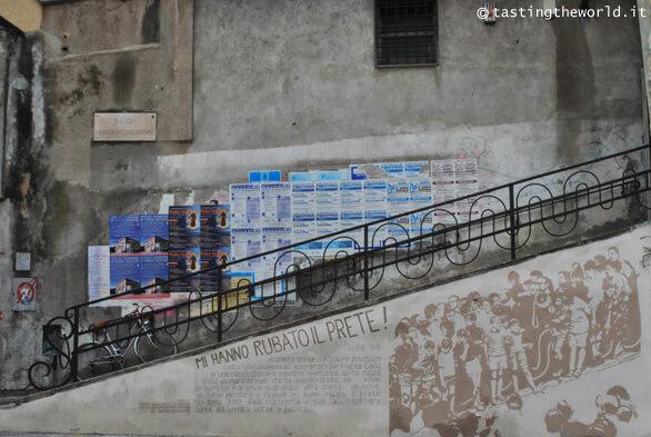 Piazza del Carmine, Genova. Murales per Don Gallo