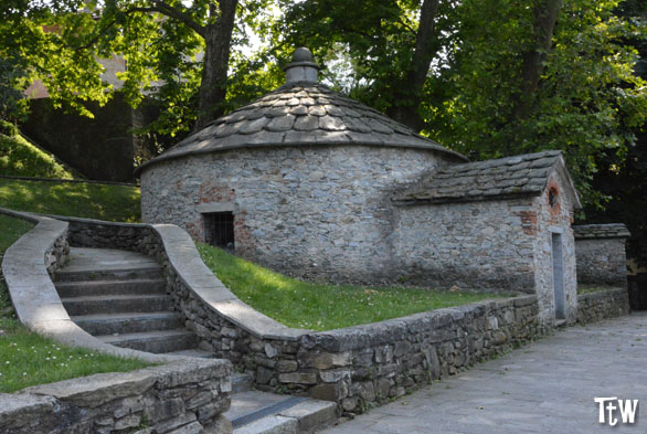 Ghiacciaie di Cazzago Brabbia (Varese)