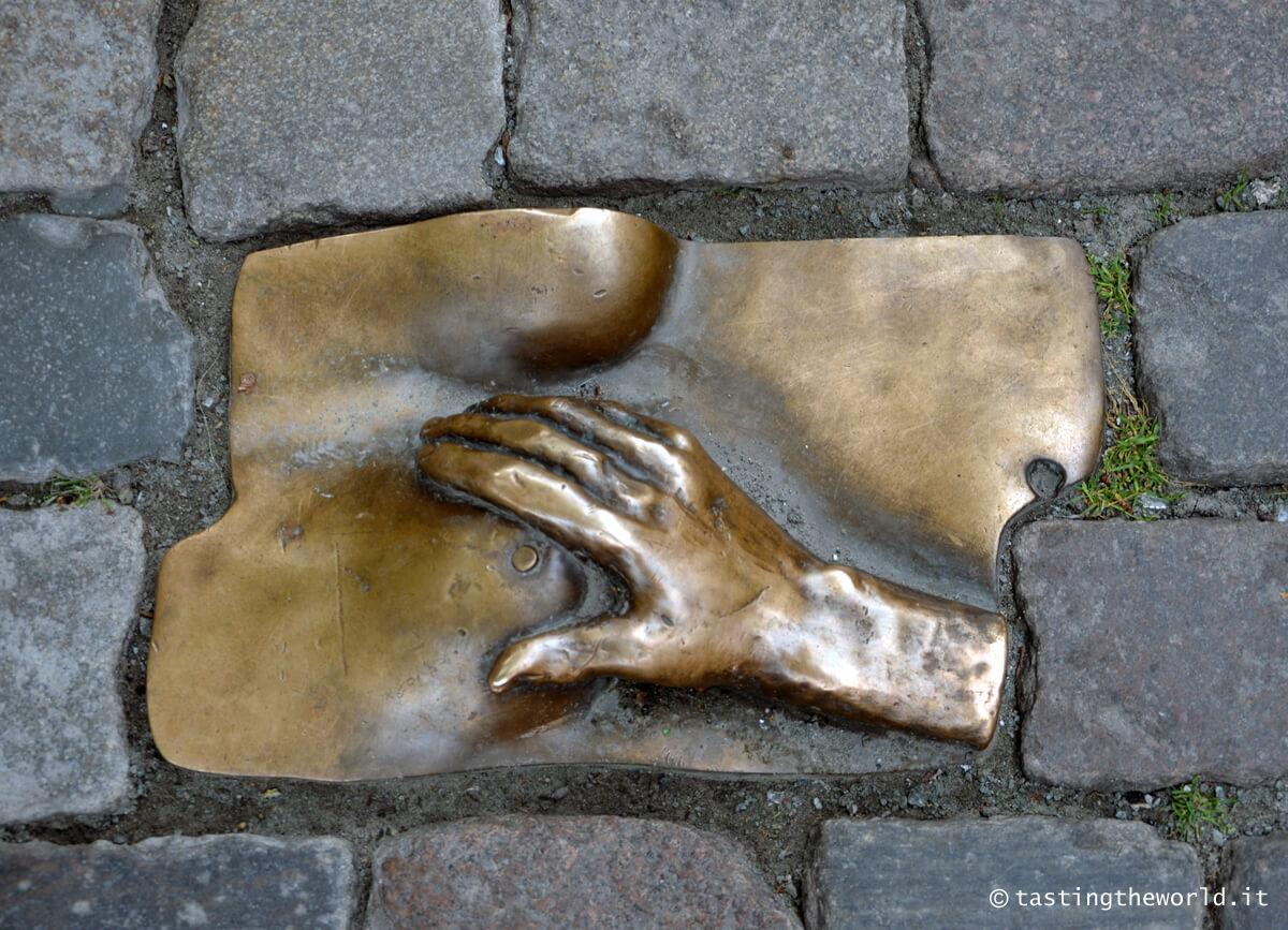 La scultura in omaggio alle prostitute, Amsterdam