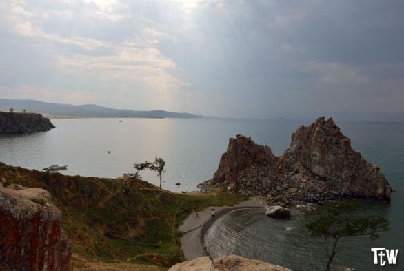 Olkhon Island, Shaman Rock (Lago Baikal, Siberia)