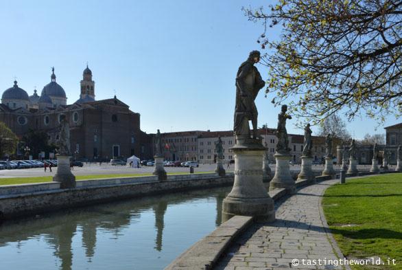 Il prato senza erba: Prato della Valle, Padova