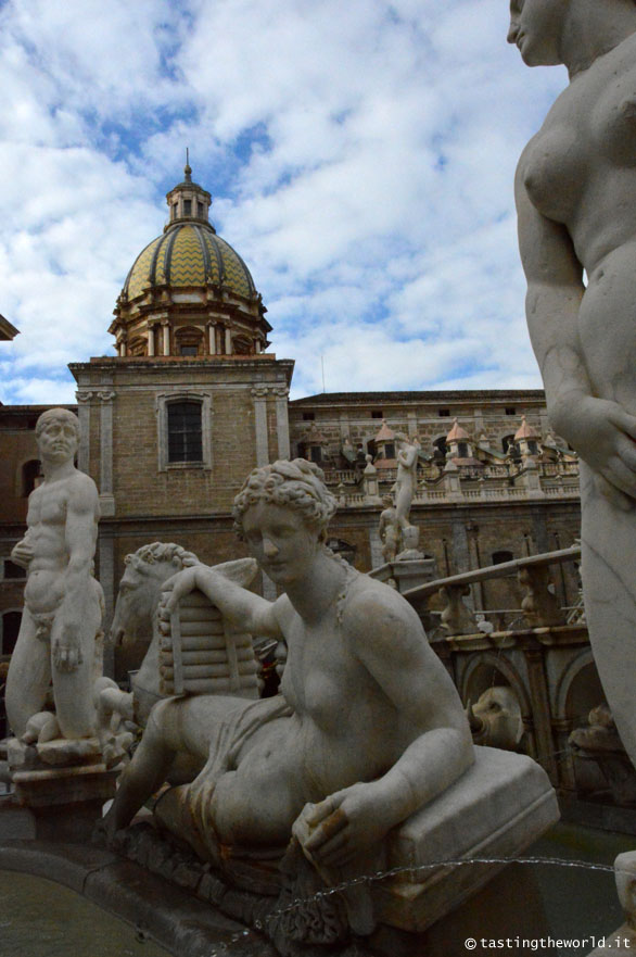 Fontana della vergogna a Palermo