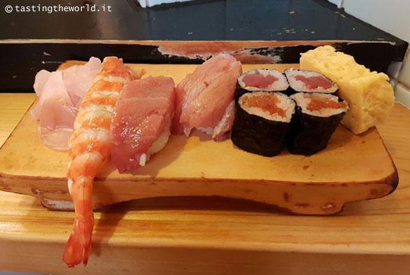 Sushi, mercato del pesce di Tokyo