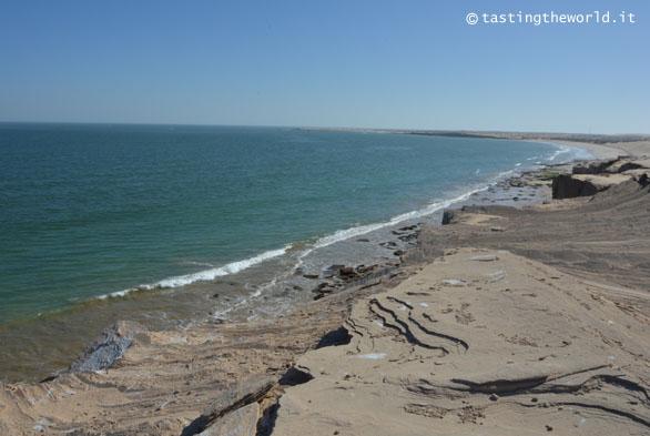 Strada costiera nei pressi di Sur, Oman