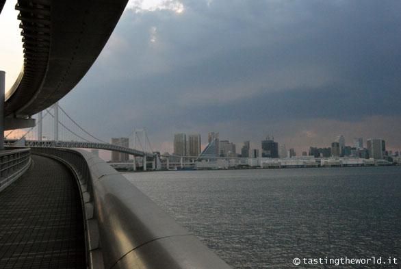 Rainbow Bridge, Tokyo (Giappone)