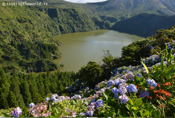 Flores, Azzorre - laghi vulcanici dell'interno