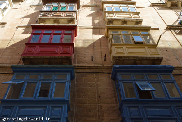 Gallarija, i tradizionali balconi maltesi (La Valletta, Malta)