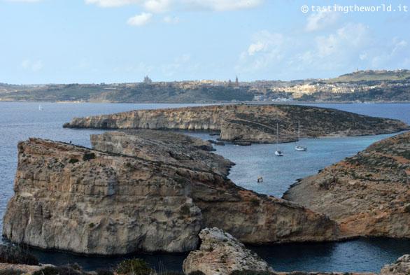 Comino (e Gozo sullo sfondo)