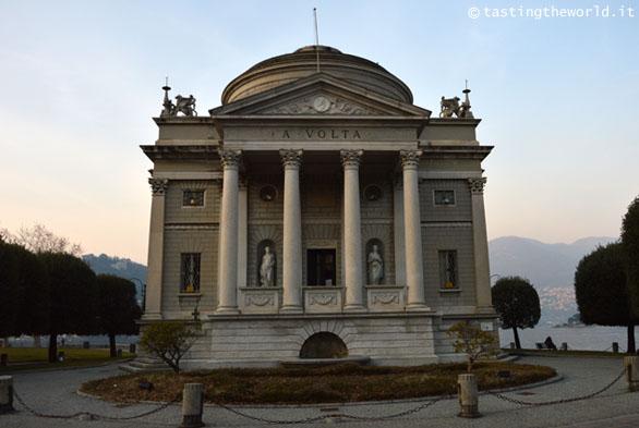 Tempio Voltiano, Como