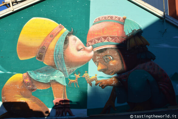 A kiss between cultures (Animalito)