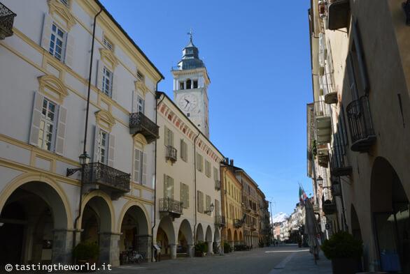 Via Roma e Torre Civica a Cuneo