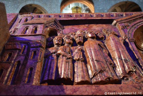 Sarcofago di Berardo Maggi nel Vecchio Duomo di Brescia