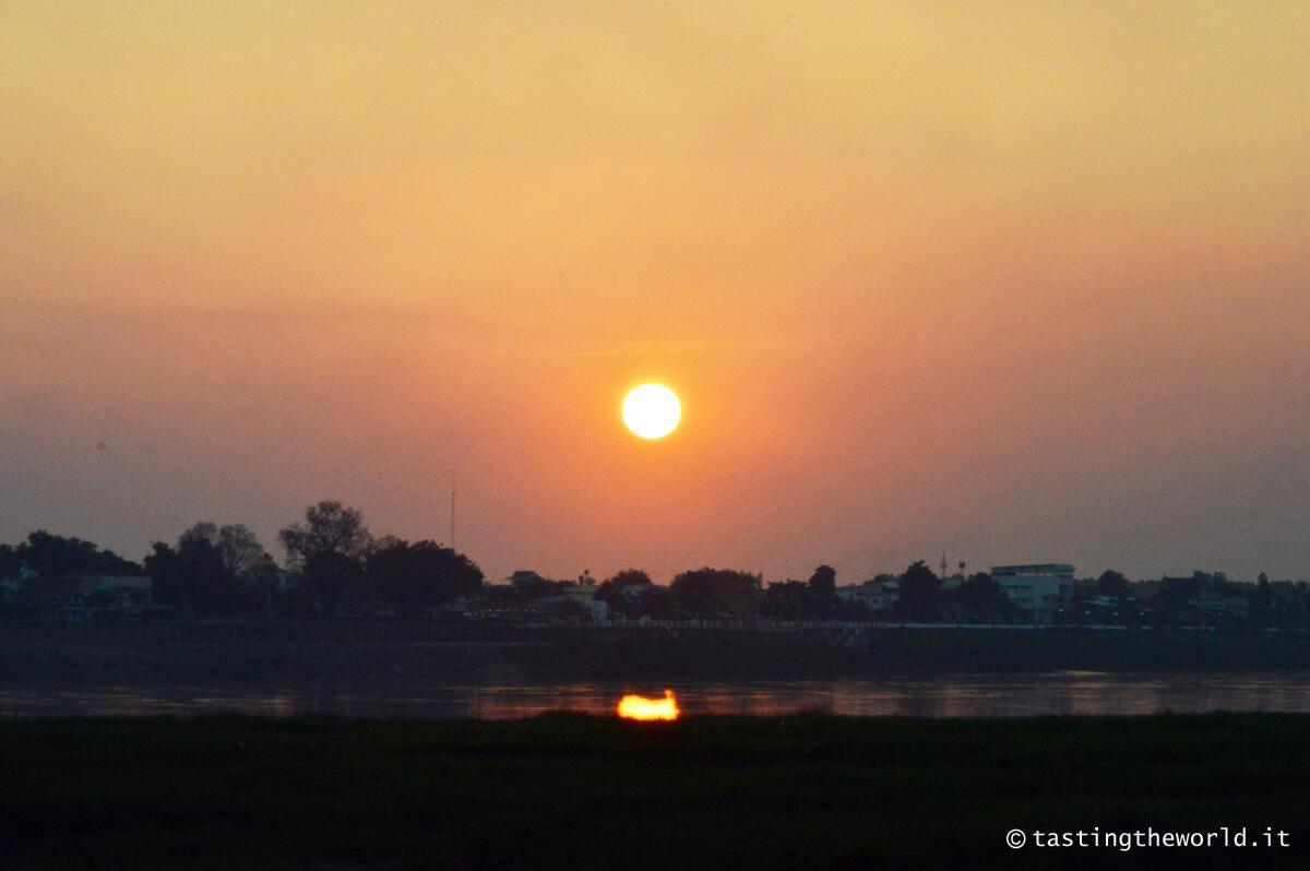 Tramonto sul Mekong, Vientiane (Laos)