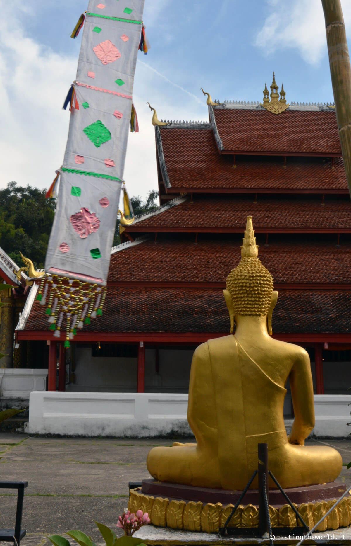 Statua bhuddista a Luang Prabang