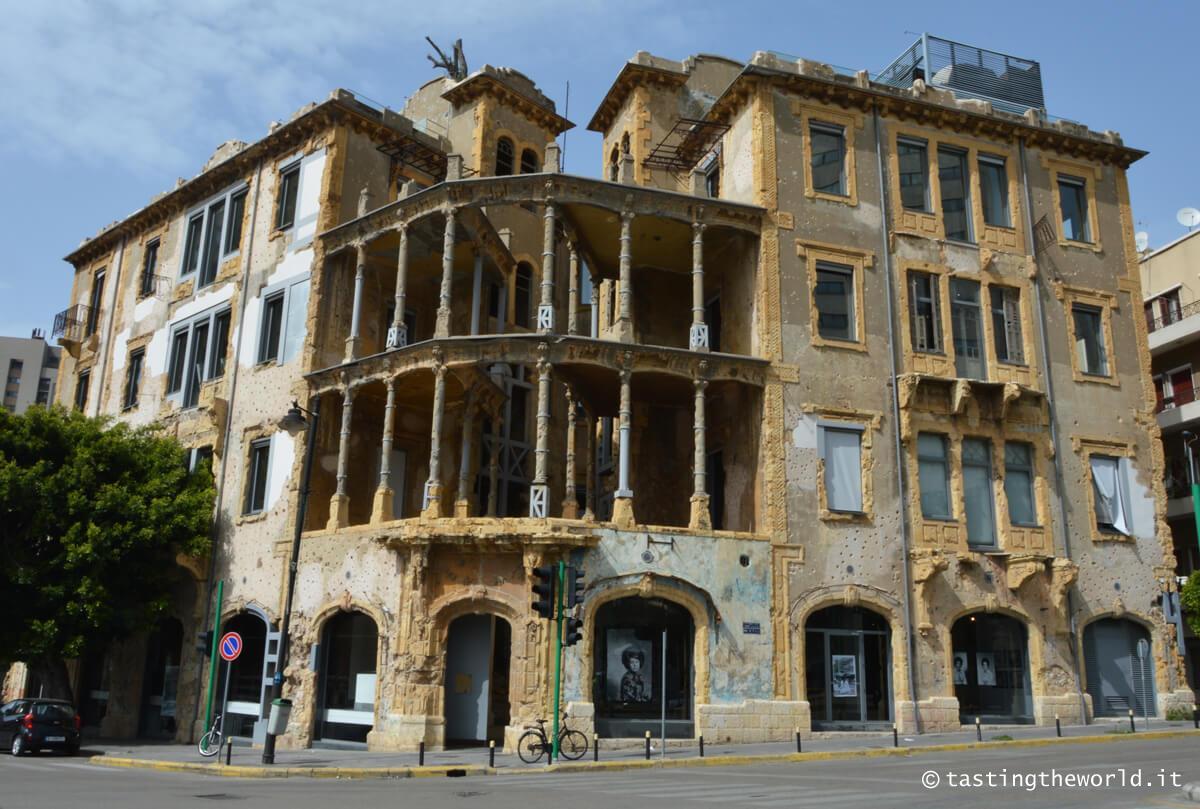 Beit Beirut, la casa gialla di Beirut (Barakat Building)