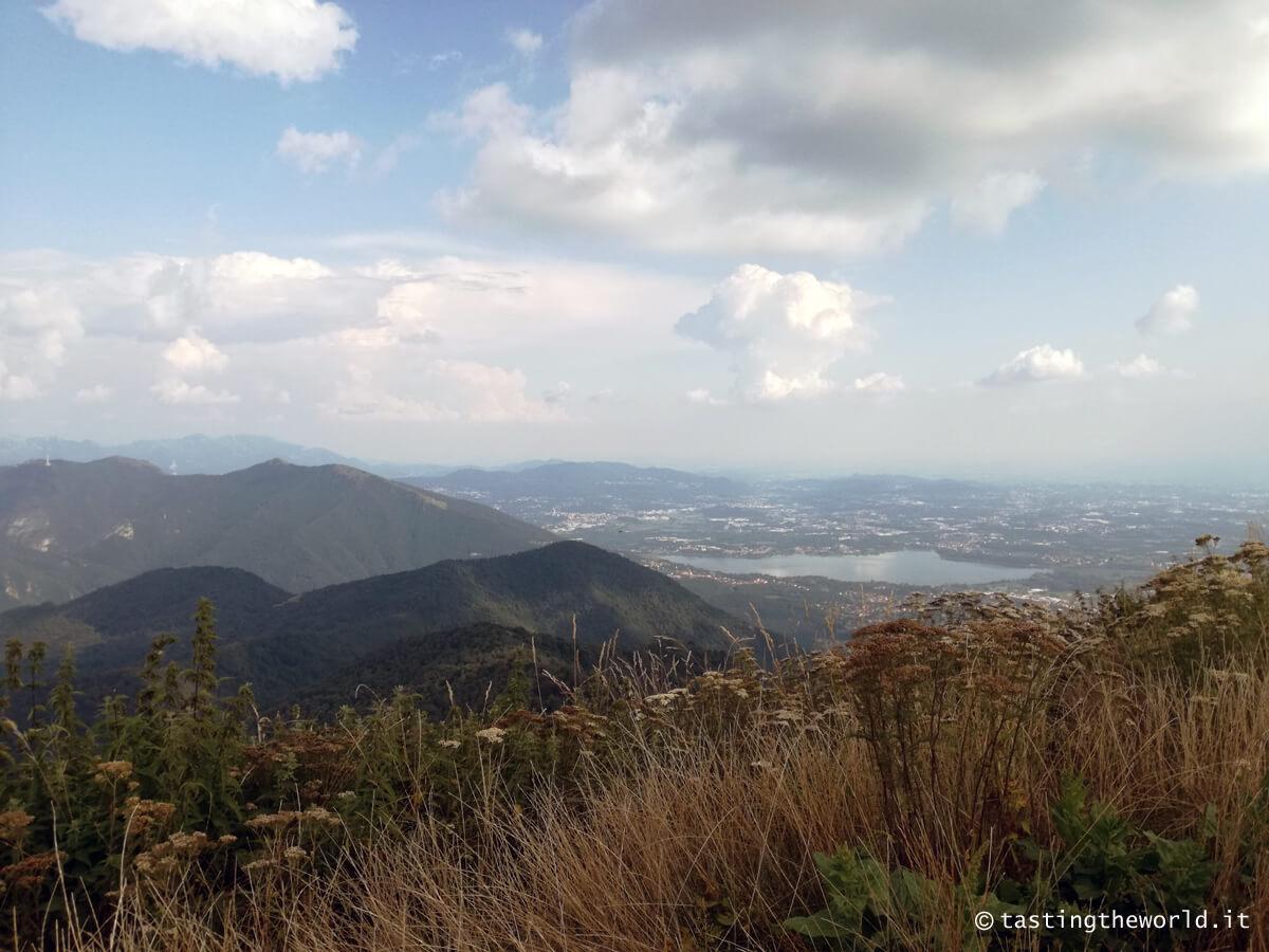 In cima al monte Palanzone (Triangolo Lariano, Como)