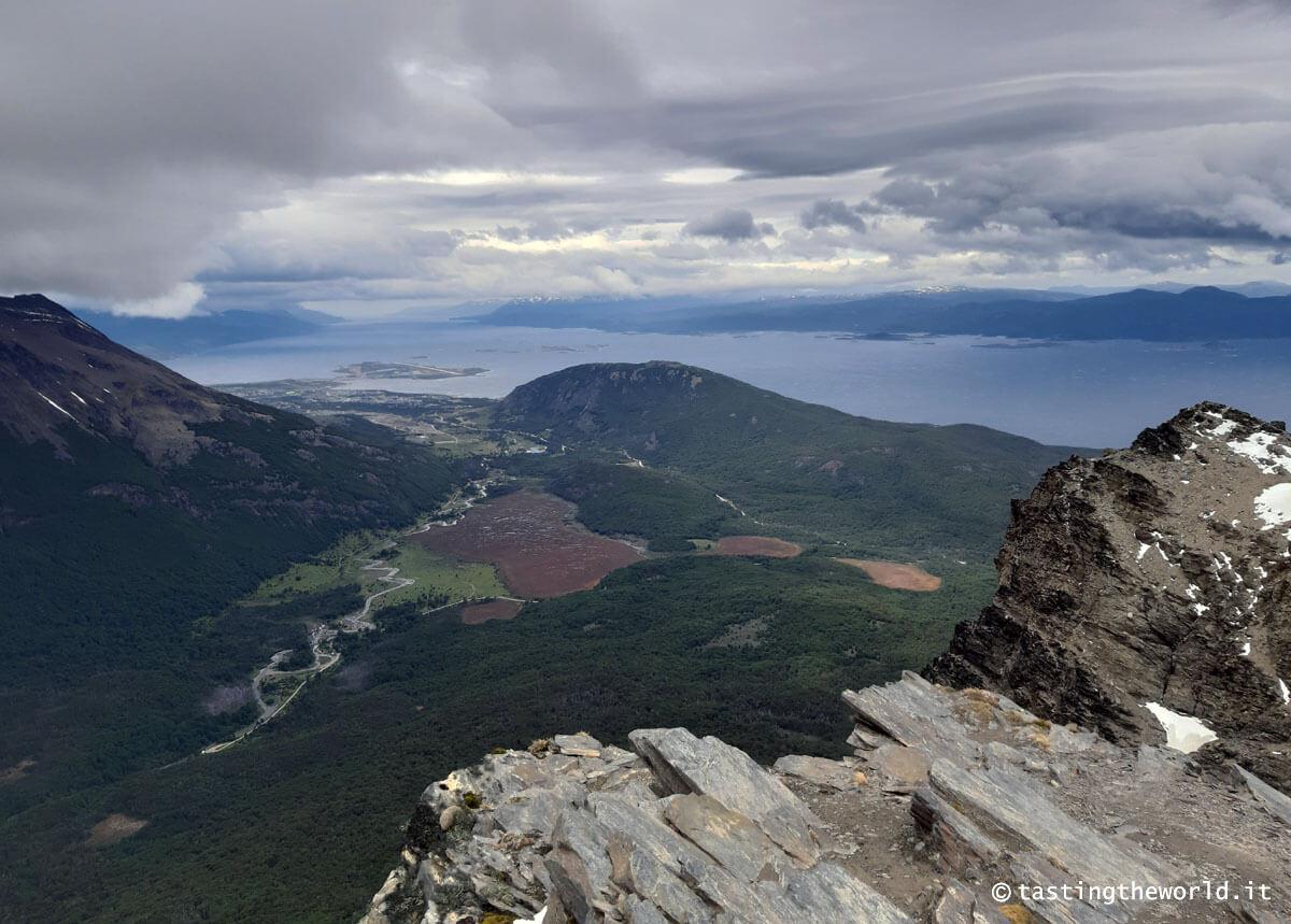 La città di Ushuaia vista dal Cerro Guanaco, Parco Nazionale Terra del Fuoco (Argentina)